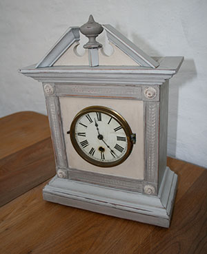 Pedran hand painted shabby chic  - Vintage finds - Ornamental Clock